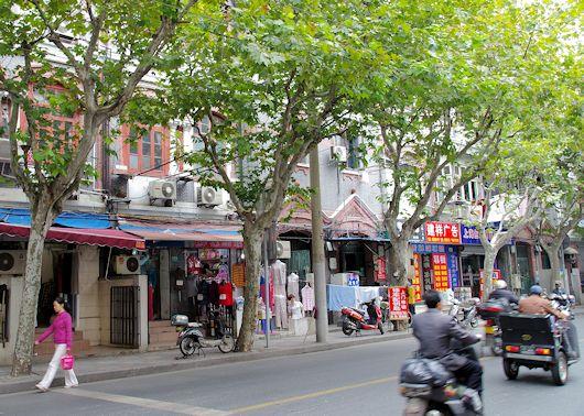 なお、この旧西本願寺建物も虹口救火会ビルも、上海市優秀歴史建築に指定されていますので、しばらくは残るものと思われます。